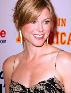 post 6458 0 1446149932 30304_thumbjpg julie bowen