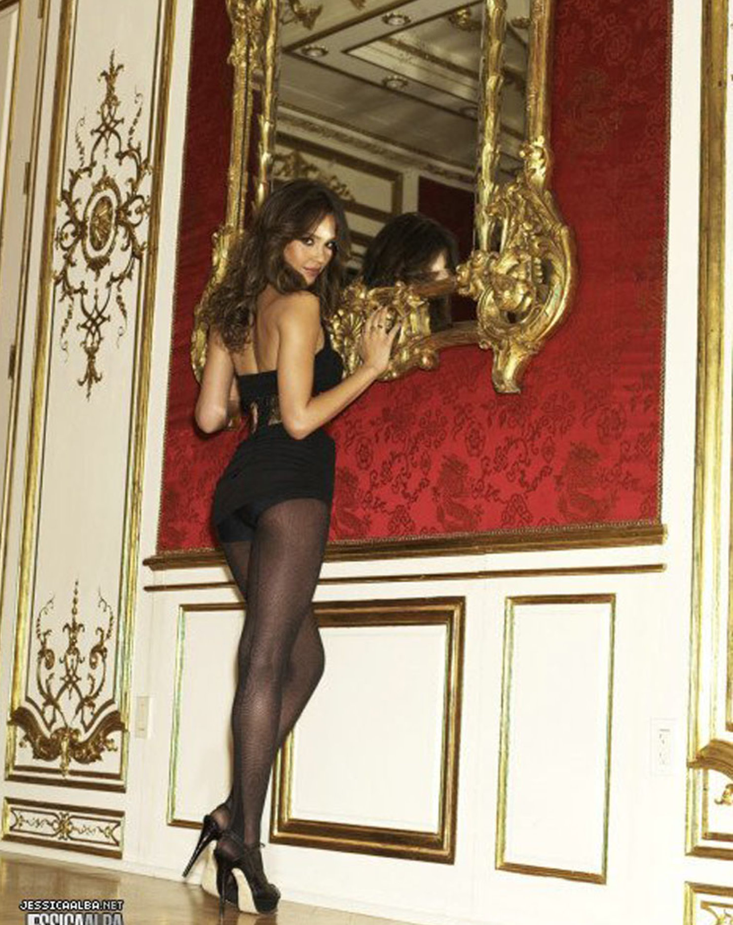 Celebrities in Nylons: Jessica Alba