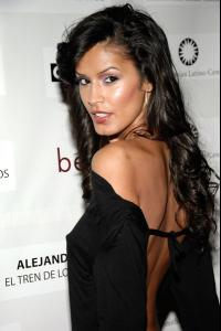 jaslene_gonzalez_arrives_to_the_people_en_espanol_and_the_smithsonian4.jpg