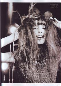 Sheila_Marquez_POP_Magazine_Fall07_MinervaMouse_byChadPitman5.JPG
