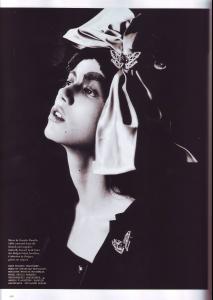 Sheila_Marquez_POP_Magazine_Fall07_MinervaMouse_byChadPitman6.JPG