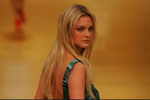 Caroline_Trentini___Fashion_Rio___Summer_2009___Espa_o_Fashion_4.jpg