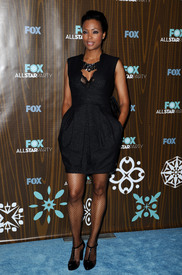 celebrity-paradise.com-The_Elder-Aisha_Tyler_2010-01-11_-_Fox_Winter_2010_All-Star_Party_in_LA.jpg