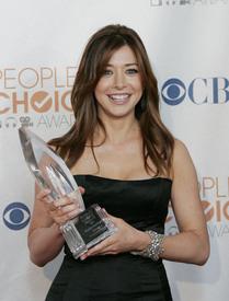 celebrity-paradise.com-The_Elder-Alyson_Hannigan_2010-01-06_-_36th_annual_People1s_Choice_Awards_2101.jpg