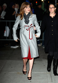 Preppie_-_Amy_Adams_at_the_Late_Show_with_David_Letterman_-_Jan._5_2010_1242.jpg