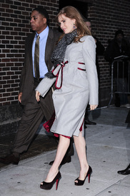 Preppie_-_Amy_Adams_at_the_Late_Show_with_David_Letterman_-_Jan._5_2010_1501.jpg