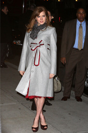 Preppie_-_Amy_Adams_at_the_Late_Show_with_David_Letterman_-_Jan._5_2010_256.jpg