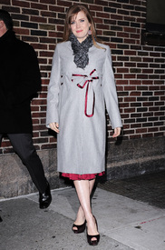 Preppie_-_Amy_Adams_at_the_Late_Show_with_David_Letterman_-_Jan._5_2010_3360.jpg