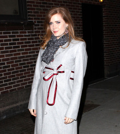 Preppie_-_Amy_Adams_at_the_Late_Show_with_David_Letterman_-_Jan._5_2010_3618.jpg