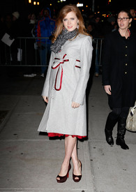 Preppie_-_Amy_Adams_at_the_Late_Show_with_David_Letterman_-_Jan._5_2010_8276.jpg