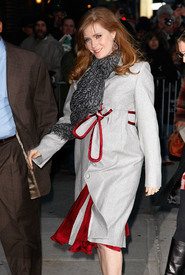 Preppie_-_Amy_Adams_at_the_Late_Show_with_David_Letterman_-_Jan._5_2010_8295.jpg