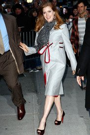 Preppie_-_Amy_Adams_at_the_Late_Show_with_David_Letterman_-_Jan._5_2010_8336.jpg