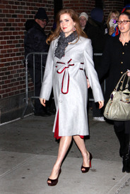 Preppie_-_Amy_Adams_at_the_Late_Show_with_David_Letterman_-_Jan._5_2010_8729.jpg