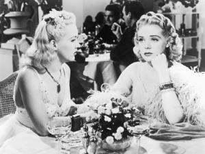4000042_lg_3_Betty_Grable_and_Alice_Faye.jpg