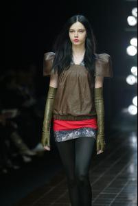 85111_celebrity_city_Various_Paris_Fashion_Shows_11_123_18lo.jpg