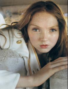 Lily_Cole_Tim_Walker_6_725904.jpg