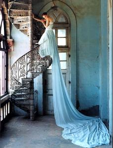 Lily_Cole_Tim_Walker_12_735575.jpg