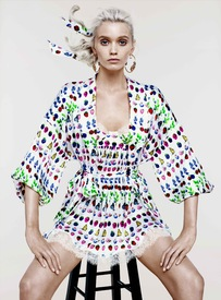 Versace_For_HM_Spring_2012_Collection_1.jpg