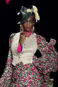 040 Christian Dior Haute Couture Fall Winter 2003 CelebrityCity.jpg