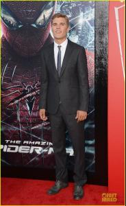 chris-zylka-spider-man-premiere-02.jpg