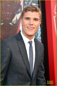 chris-zylka-spider-man-premiere-01.jpg