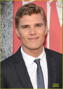 chris-zylka-spider-man-premiere-06.jpg