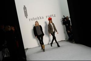 Rebekka+Ruetz+Backstage+Mercedes+Benz+Fashion+01.jpg