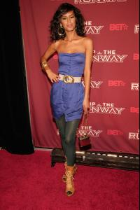 jaslene_gonzalez_arrives_to_bets_rip_the_runway_20081.jpg
