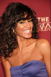 jaslene_gonzalez_arrives_to_bets_rip_the_runway_20082.jpg