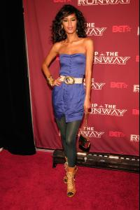jaslene_gonzalez_arrives_to_bets_rip_the_runway_20083.jpg