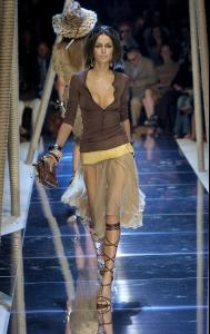 Nicole_Trunfio_at_Dolce_Gabbana_ss_2005_fashion_show.jpg