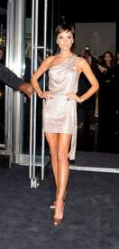Victoria_Beckham_-_Armani_5Th_Av_store_openingISA_04.jpg