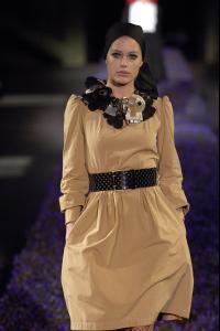 82560_celebrity_city_Yves_Saint_laurent_Paris_Fashion_Show_115_123_469lo.jpg