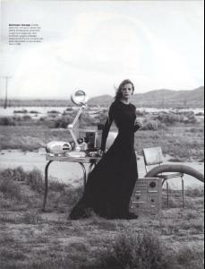 Angela_Lindvall_Tanga_Moreau_phPeterLindbergh_Vogue_1999__6_t.jpg