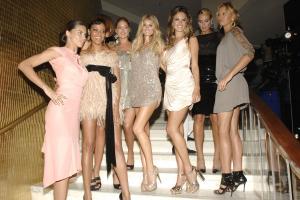 96428_Victorias_secret_models-Fontainebleau_Miami_Beach_Grand_Opening-14_122_521lo.jpg