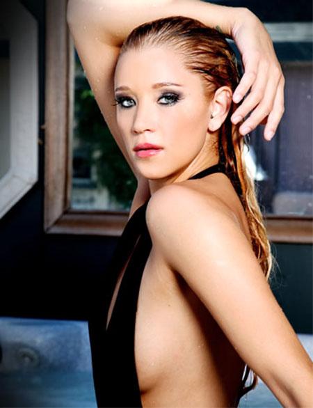 Kristen Renton - Actresses - Bellazon