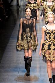 Dolce_Gabbana_Fall_2012_cehe_TVzvm28x.jpg