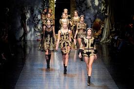 Dolce_Gabbana_Fall_2012_Qit_U2_SUG_Cux.jpg