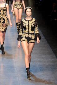 Dolce_Gabbana_Fall_2012_qj_OKT-_L0h_RCx.jpg