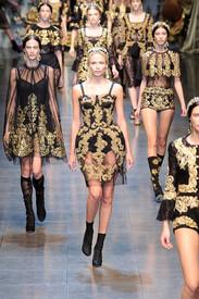 Dolce_Gabbana_Fall_2012_Uv_LQIc_KESrfx.jpg