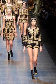 Dolce_Gabbana_Fall_2012_Wp_ay_HM40yx.jpg