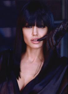 Angelina-Jolie (2).jpg