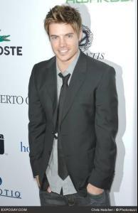 josh_henderson_hollywood_life_magazinies_9th_annual_young_hollywood_awards_h0vTBL.jpg