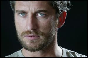 Gerard_Butler___Martin_Pope_Photoshoot_03lj_hireshotties.jpg