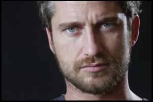 Gerard_Butler___Martin_Pope_Photoshoot_04lj_hireshotties.jpg