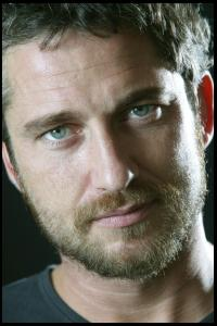 Gerard_Butler___Martin_Pope_Photoshoot_06lj_hireshotties.jpg