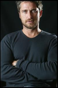 Gerard_Butler___Martin_Pope_Photoshoot_08lj_hireshotties.jpg