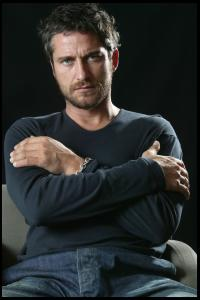 Gerard_Butler___Martin_Pope_Photoshoot_10lj_hireshotties.jpg