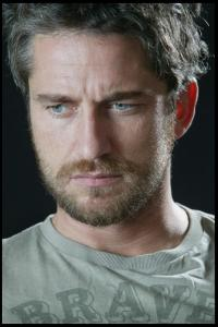 Gerard_Butler___Martin_Pope_Photoshoot_15lj_hireshotties.jpg