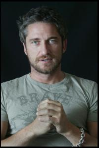 Gerard_Butler___Martin_Pope_Photoshoot_16lj_hireshotties.jpg